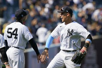 Yankees de NewYork  Un triple jeu pour terminer et remporter le match )
