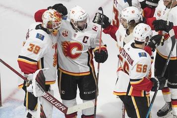 Les Flames éliminent les Jets et passent au tour suivant)