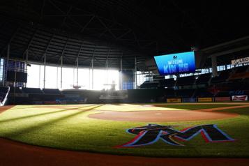 Les Marlins de Miami prévoient accueillir des spectateurs)