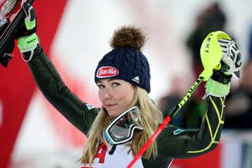 Mikaela Shiffrin reconnaissante de pouvoir skier)