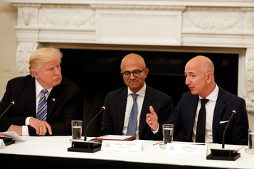 Développement des armes autonomes: Amazon et Microsoft critiqués