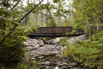 Nouveau pont historique aux Jardins de Métis)