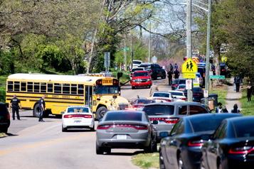 Fusillade au Tennessee Plusieurs blessés dans une école secondaire du Tennessee, un homme tué)