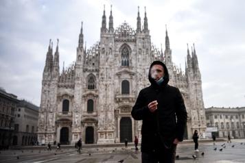 La cigarette interdite dans certains lieux publics de Milan)