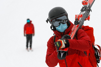 Centres de ski Des indications différentes pour les skieurs des zones rouges)
