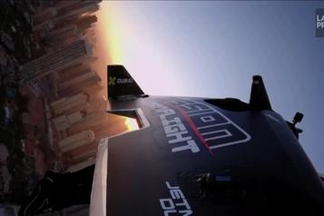 Vol «historique» de l'«homme avion» dans le ciel de Dubaï