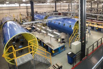 Jean Charest plaide pour une aide spécifique pour l'industrie aérospatiale)