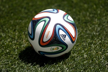 La FIFA viendra en aide aux associations)