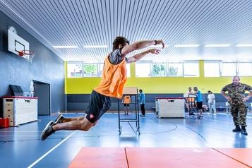 Nico Hischier: servir son pays par le sport)
