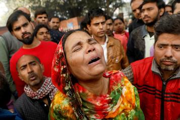 Inde: un incendie dans une usine de New Delhi fait 43morts