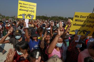 Birmanie La diplomatie entre en scène, les manifestations continuent)