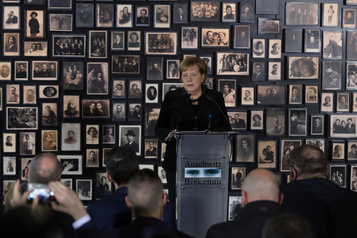 À Auschwitz, Merkel réaffirme le devoir de mémoire de l'Allemagne