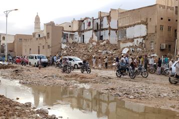 Empêtrée au Yémen, l'Arabie saoudite joue la carte diplomatique avec l'Iran)