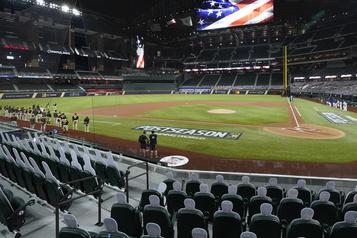 Baseball majeur Place aux choses sérieuses… avec spectateurs)