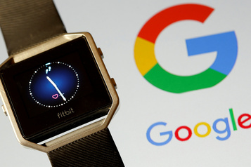 Des ONG inquiètes du rachat de Fitbit par Google)
