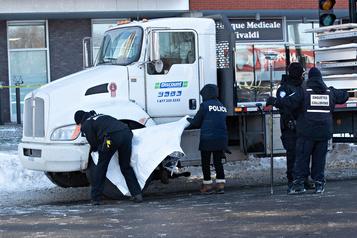 Une dame âgée happée à mort par un poids lourd dans Saint-Léonard
