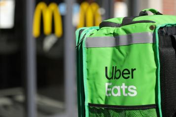 Uber Eats et Doordash Québec songe à réglementer les frais de livraison)