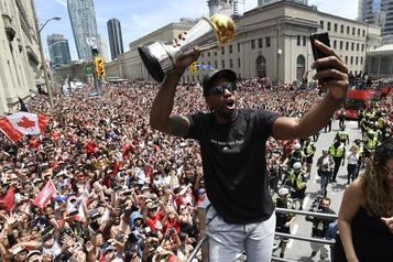 Les Raptors nommés équipe canadienne de l'année2019