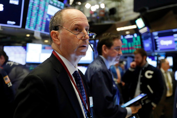 Wall Street lestée par l'avertissement d'Apple