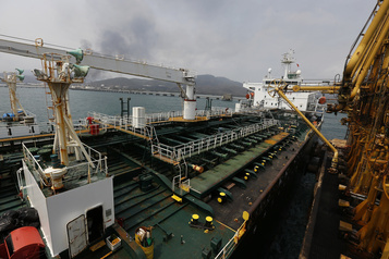 Washington saisit du pétrole iranien destiné au Venezuela)