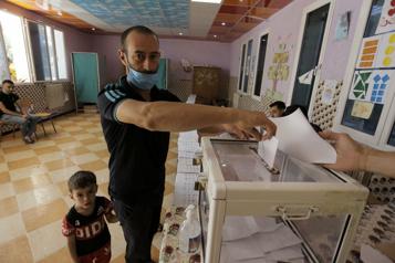 Algérie Des élections marquées par un très faible taux de participation)