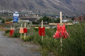 Restes de 215enfants découverts à Kamloops « Dur réveil pour beaucoup », ditle leader autochtone PerryBellegarde)