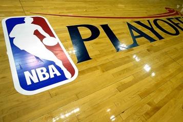 Les joueurs de la NBA commencent à arriver à Orlando)