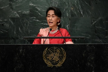 Birmanie Aung San Suu Ky jugée pour «incitation aux troubles publics»)