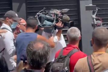 Journalistes agressés par des antivaccins Reporters sans frontière appelle à «protéger le droit d'informer»)