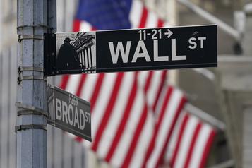 Le S&P 500 et le NASDAQ finissent à de nouveaux records)