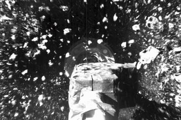 Des fragments d'astéroïde collectés par la sonde Osiris-Rex, croit la NASA)