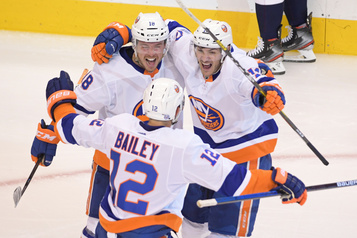 Les Islanders renversent les Capitals4-2 lors de leur premier match)