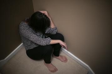 Femmes victimes d'agressions QS impatient de voir un système de justice plus accueillant)