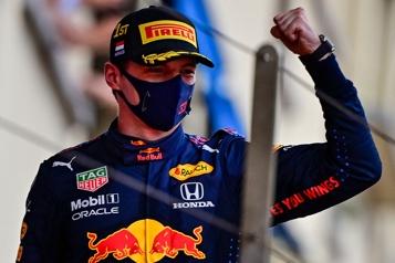 Max Verstappen, une menace pour Lewis Hamilton)