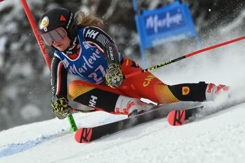 Ski alpin Performance en deux temps pour Valérie Grenier)