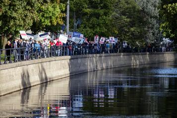 Port de plaisance de Lachine Nous demandons la transparence et une main tendue)