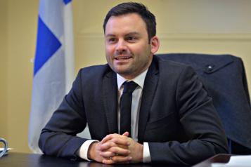 Loi101 au cégep  Paul St-Pierre Plamondon défend son changement de cap )