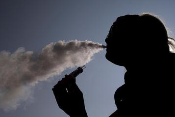 Vapotage: vers des règles «au moins comparables» à celles sur les cigarettes