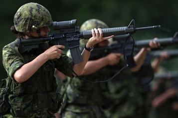 Effectif féminin: les Forces armées canadiennes loin de leur objectif