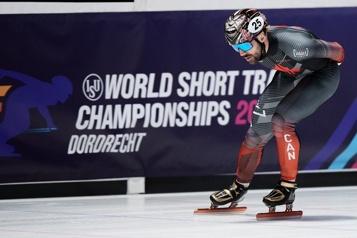 Mondiaux de patinage de vitesse courte piste Un accrochage ruine la journée de Charles Hamelin)