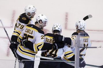 Hurricanes-Bruins repoussés à mercredi)