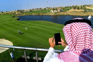 Arabie Saoudite Premier tournoi de golf féminin et nouvelle controverse)