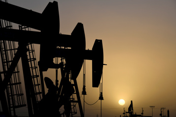 Le pétrole bat en retraite devant les nouveaux cas de COVID-19 en Chine)