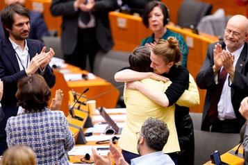 «Vous allez nous manquer»: le Parlement européen ratifie le Brexit
