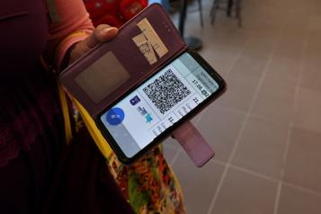Retour de la COVID-19 Israël propose un retour partiel au passeport sanitaire)