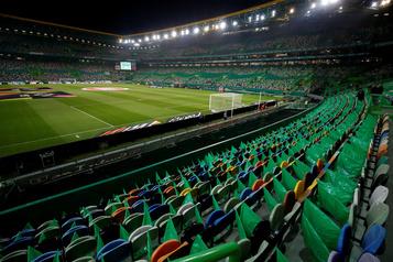 Lisbonne reconfinée, la Ligue des champions menacée)