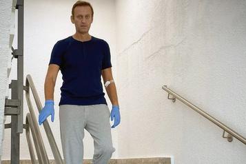 Un scientifique lié à la création du Novitchok s'excuse auprès de Navalny)