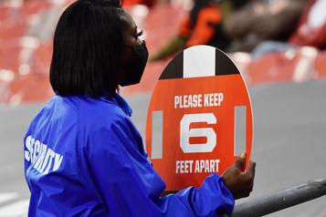 Deuxièmes tests négatifs chez les Colts, pas d'éclosion de COVID-19 )