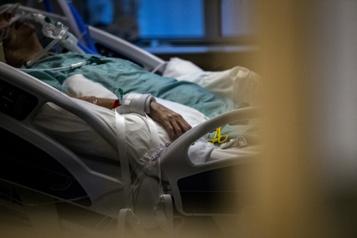 2071 nouveaux cas, 33 décès Le Québec établit un triste record aux soins intensifs)