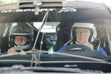 À 91 ans, un ex-champion participe au Safari Rallye Kenya)